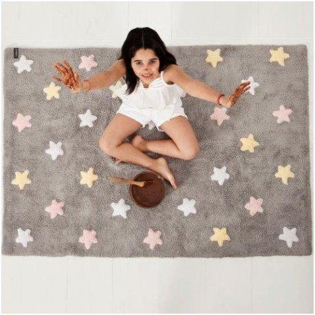 Pilkas vaikiškas kilimas su spalvotomis žvaigždutėmis