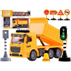Geltonas sunkvežimis su įvairiais priedais