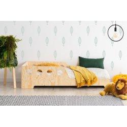 Natūralios medienos spalvos lovytė su apsauga nuo iškritimo