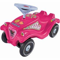 Paspiriamas stilingas rožinis automobilis
