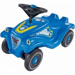 Šaunus paspiriamas mėlynas automobilis