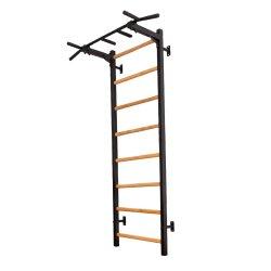 Metalo/medžio konstrukcijos gimnastikos sienelė su prisitraukimų strypais